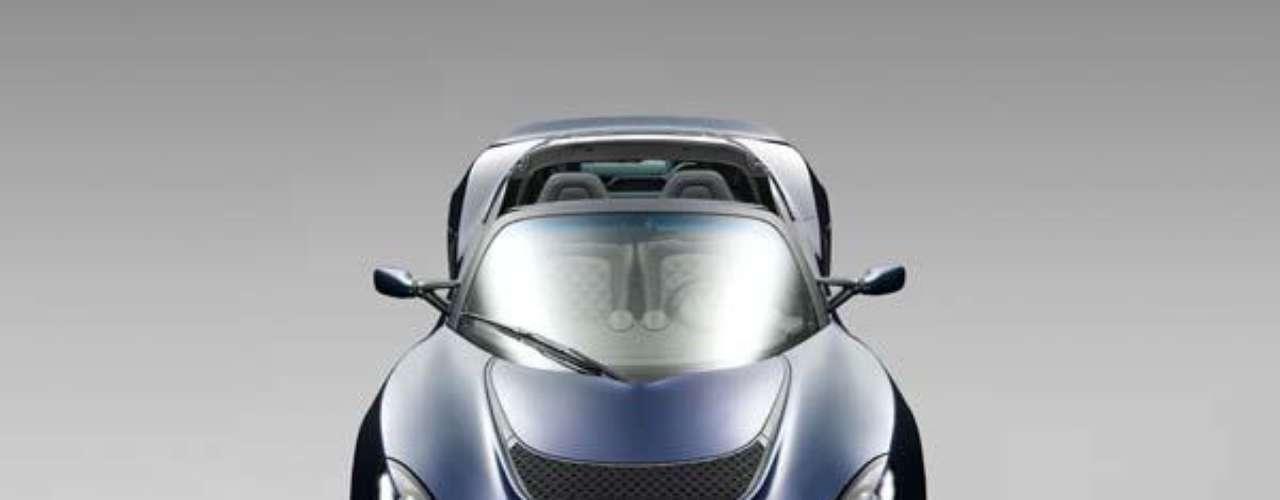 Además de su espectacular look, el Exige S Roadster esconde bajo su capó un poderoso V6 de 3.5 litros supercargado que cuenta con tecnologías tomadas del mundo de la competición y que es capaz de acelerar de 0 a 100 km/hr en 3.8 segundos y de alcanzar las 160 km/hr en apenas 8.5 segundos.