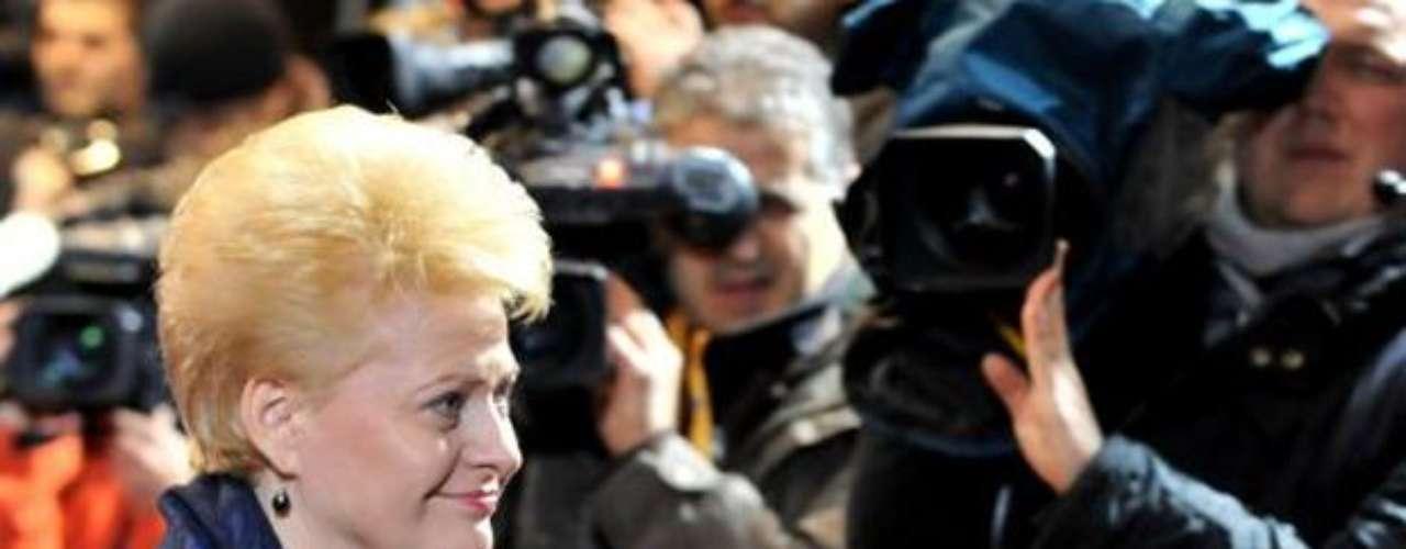 Dalia Grybauskait: El 17 de mayo de 2009 obtuvo 68.18% de la votación en las elecciones presidenciales de Lituania. Fue la primera mujer en ocupar el cargo.