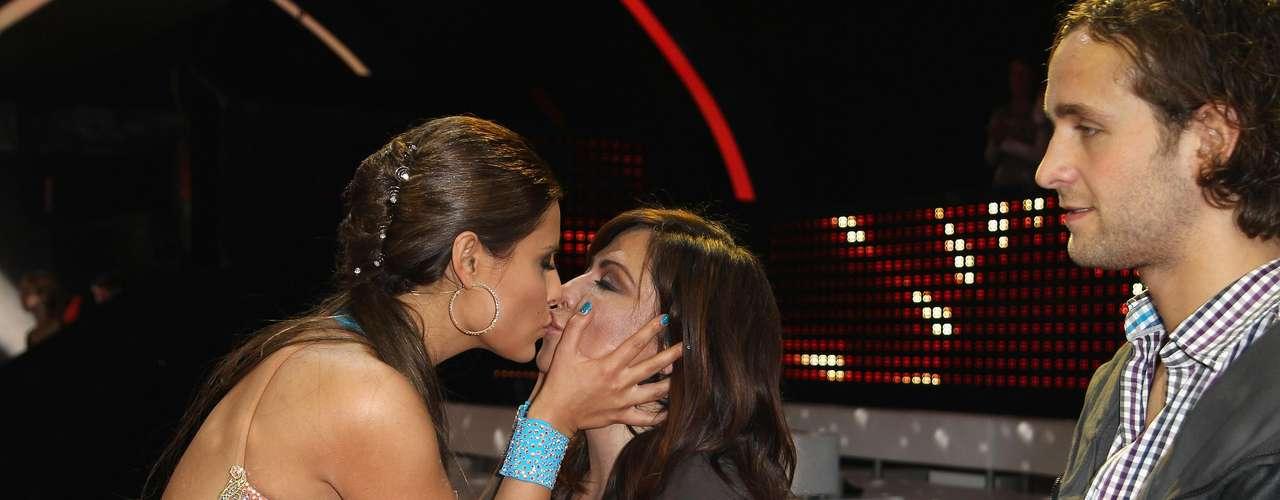 Sophia Thomalla besa a su madre Simone Thomalla.