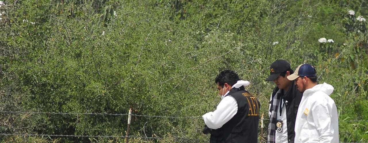 Un oficial de Vialidad y Tránsito de Apodaca fue ejecutado por hombres armados que circulaban a bordo de un auto compacto por el cruce de las avenidas Carlos Salinas de Gortari y Concordia, en la zona industrial del municipio de Apodaca.