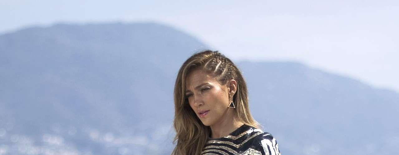 Jennifer López irradia sensualidad en las imágenes para promocionar el video \