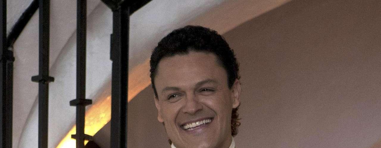 Pedro Fernández al mejor estilo de un charro mexicano, para acompañar el lanzamiento de su nuevo álbum.