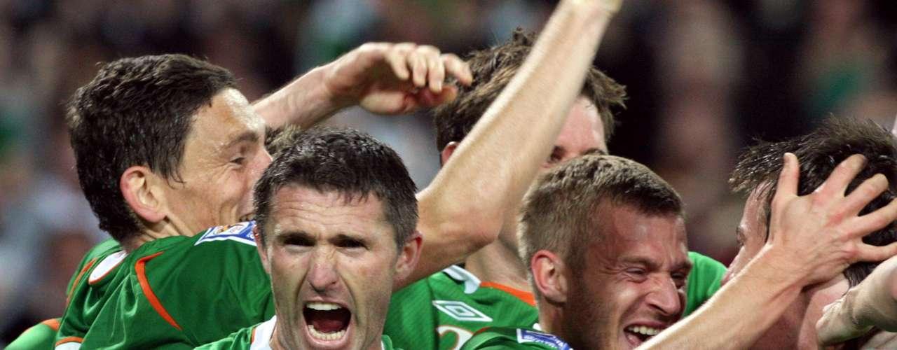 Aunque no el más popular de la lista, el equipo de Irlanda tiene que ser parte de la lista. El equipo estuvo a una mano de Tierry Henry de llegar al Mundial del 2010.