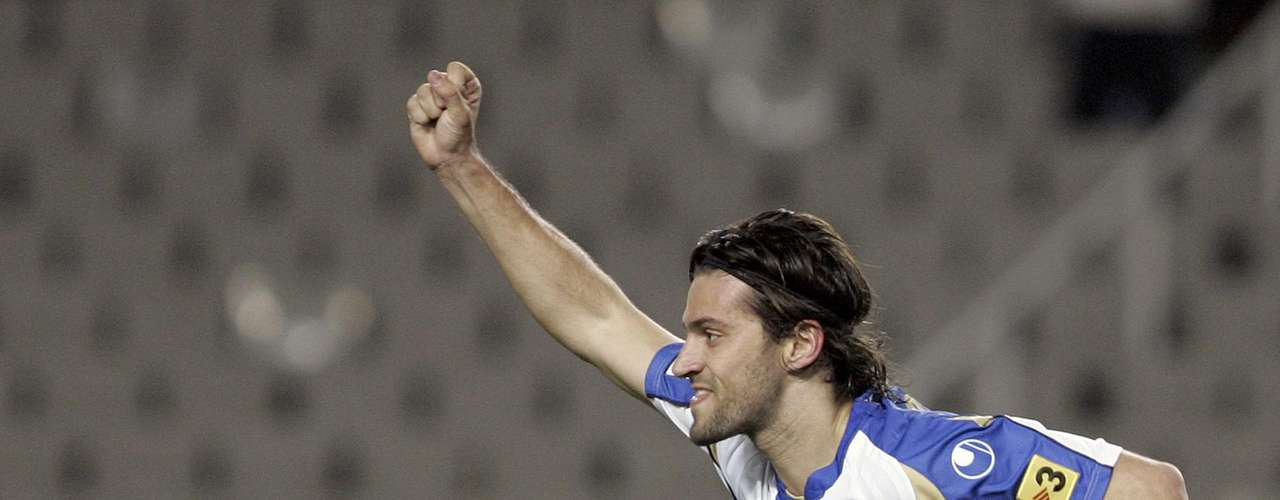Dani Jarque, player for Espanyol in barcelona, lost consciousness in his hotel rooom while on a tour through Italy in 2009. Though he was transferred quickly to the hospital, the doctors could do little to revive the player. He died due to an asystole on August 8, 2009.