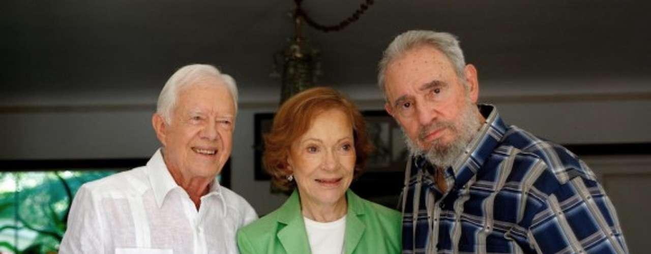 30 de marzo de 2011: Se reunió con el ex presidente estadounidense Jimmy Carter en La Habana.