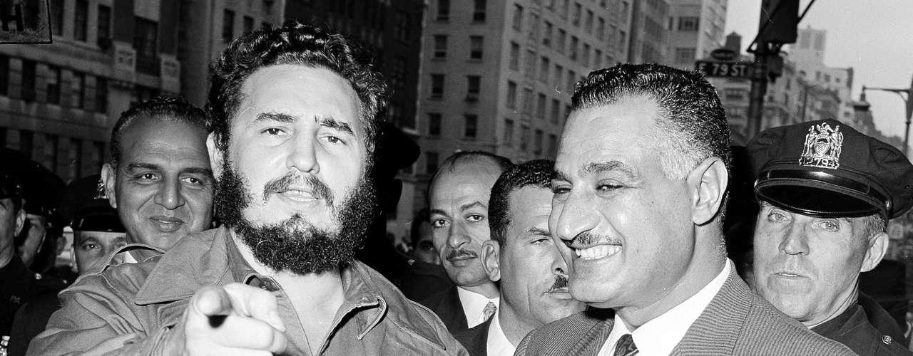 Los métodos para atentar contra Fidel Castro fueron diversos, entre los que resaltan las acciones de francotiradores, explosivos colocados en sus zapatos, veneno inyectado en un puro, hasta una pequeña carga explosiva dentro de una pelota de béisbol.