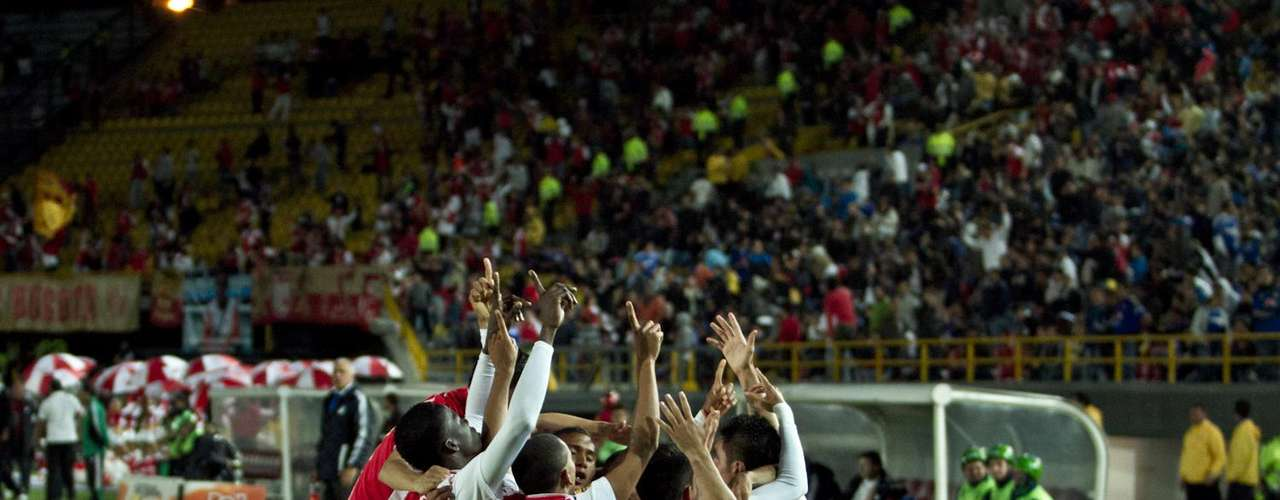 La unión de Santa Fe se consumó en cuatro goles y luego apareció el desorden y la desconcentración