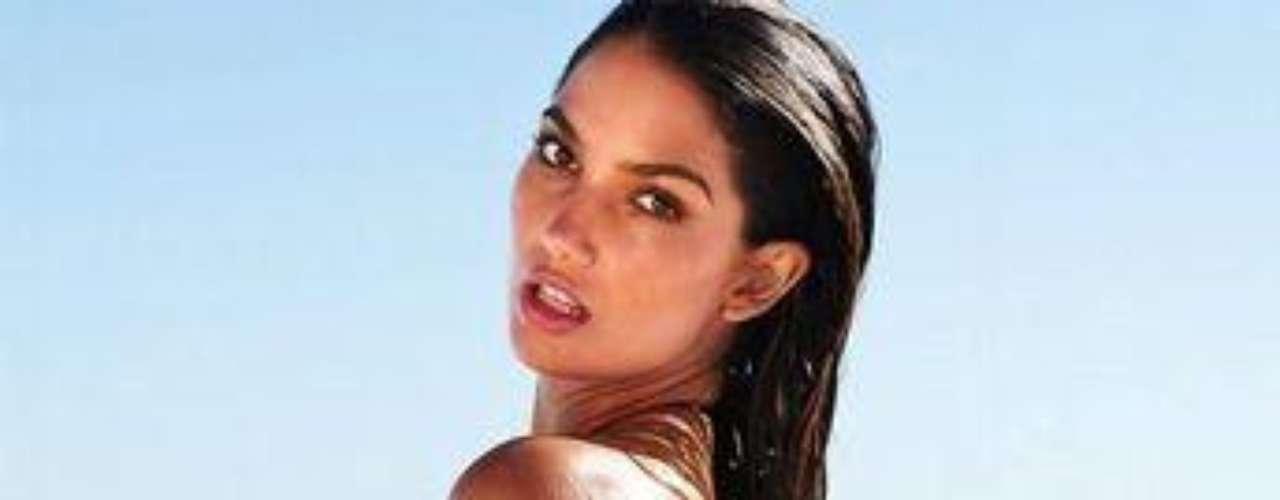 Lily Aldridge es desde 2009 un angel de Victoria's Secret. La bella californiana de cuerpo escultural además de modelar tiene otros talentos que está cultivando como actuar. Está comprometida desde 2007 con el cantante Caleb Followill (Kings of Leon) . En diciembre de 2011 anunció que estaba embarazada