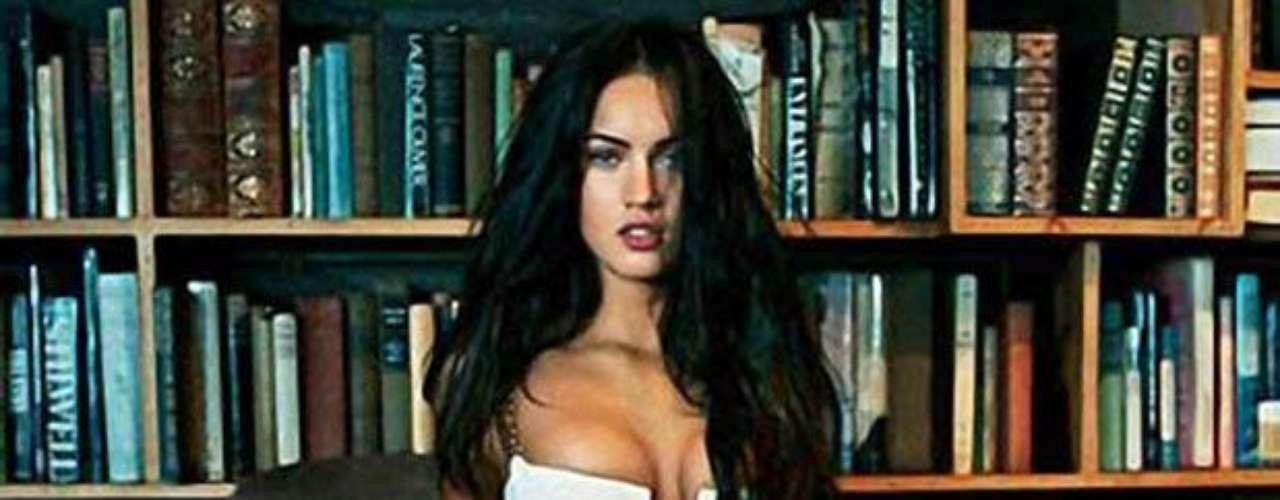 Megan Fox tiene un tatuaje con una cita de 'El Rey Lear', de William Shakesperare. El adorno de su hombro dice: 'Todos nos burlaremos de las mariposas doradas'.