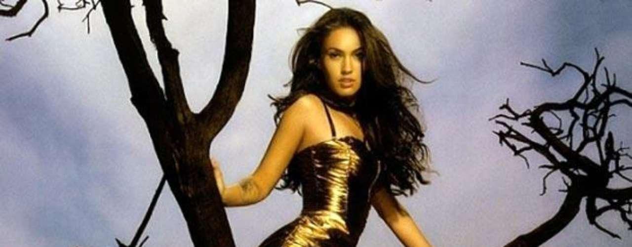 Megan Fox continuamente aparece en los listados de las mujeres más bellas y sensuales del mundo de sitios web y revistas especializadas.