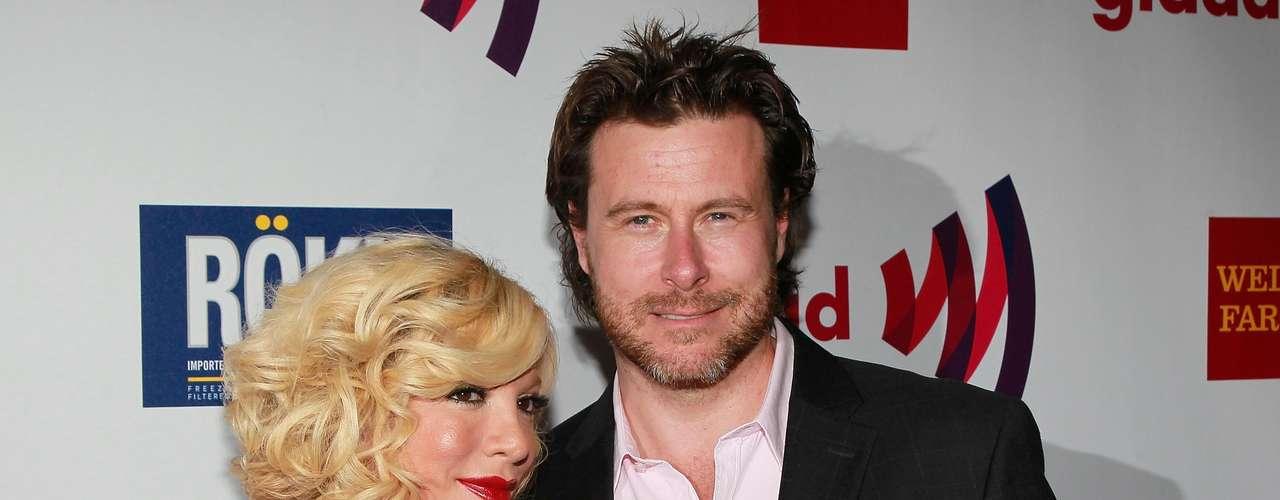 Tori Spelling y Dean McDermott. La estrella de 90210 conoció a Dean en el set de filmación de 'Mind Over Murder'. A las dos semanas de conocerse, Dean dejó a su esposa con la que tenía 12 años de matrimonio y que había tenido recién a su segundo hijo.