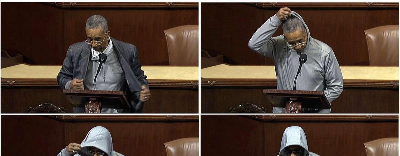 El representante por Illiois, Bobby Rush también usó una capucha en el Capitolio en protesta por la muerte de Trayvon Martin. Sin embargo su discurso sólo fue oído a medias porque fue silenciado al romper la regla de usar sombrero dentro del recinto.