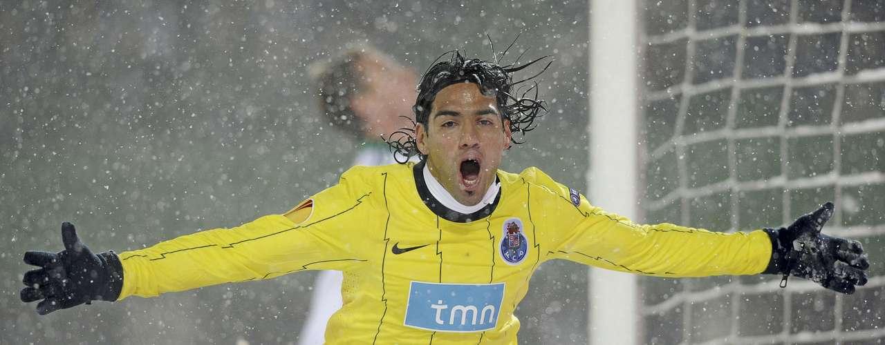 Ese partido se jugó el 2 de diciembre de 2010 en Suiza. Falcao ya sumaba ocho goles en apenas seis juegos