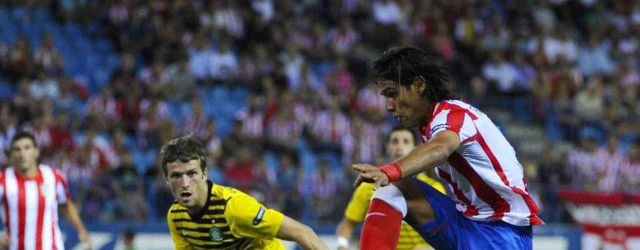 Su llegada al Atlético le permitió regresar a la competición que sin duda le ha dado más alegrias al colombiano, su debut ante el Celtic lo ratificó consiguiendo un gol en solo tres minutos de juego