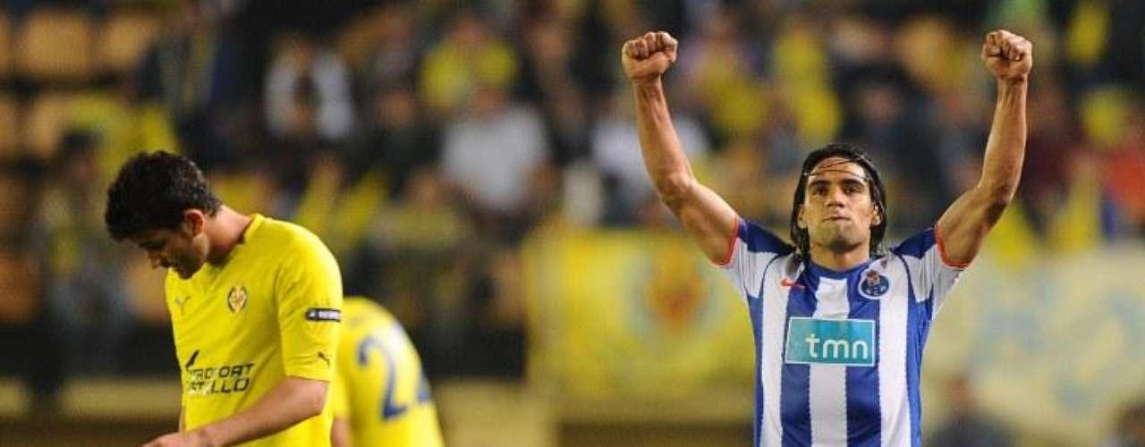 En la semifinal fue verdugo del Villareal, le marcó cuatro en Portugal y uno en España