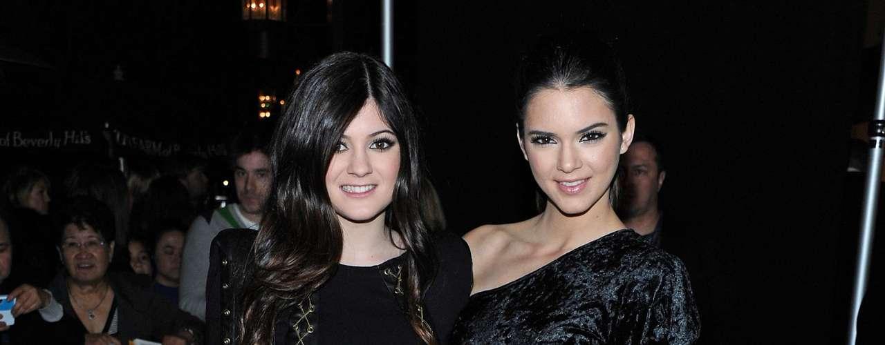 LCon belleza y dinero, Kylie parece seguir el camino de sus media -hermanas, las famosas Kardashian.