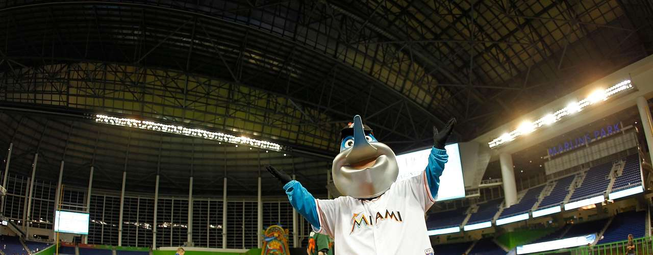 Billy the Marlin presume su nueva casa.