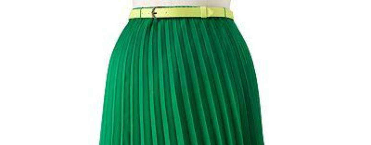 Falda color verde lima ELLE endulzará su estilo. Con pliegues podrás tener conjunto completamente chic. Sale $37.80
