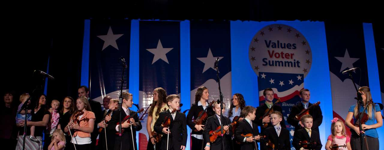 La familia Duggar en concierto en Washington. Para ver el video visita www.today.com