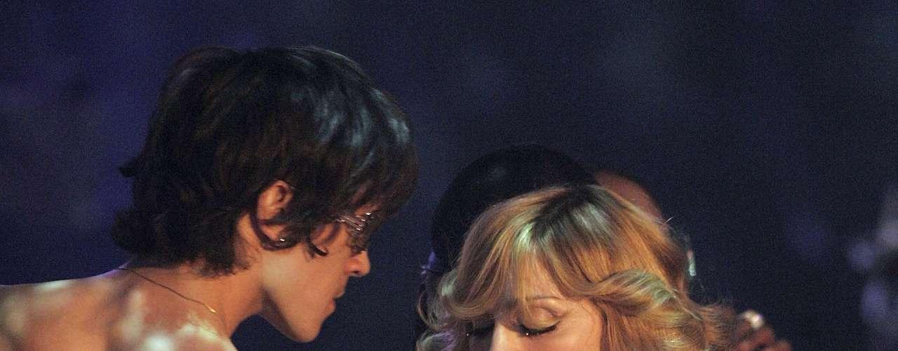 Ocesa, la firma que el año anterior trajo a Britney Spears al país, sigue apostándole a artistas de renombre y por eso, brinda a los colombianos la opción de ver a Madonna y por partida doble.