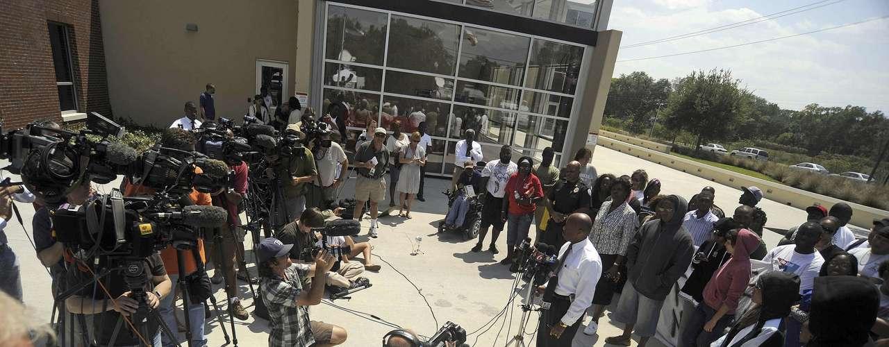 Wolfinger, fiscal del condado Seminole (Florida), anunció la convocatoria de un gran jurado ante la fuerte reacción de indignación generada por este caso, con actos públicos de protesta que no cesan y un renovado debate sobre la legislación en materia de defensa propia en Estados Unidos.