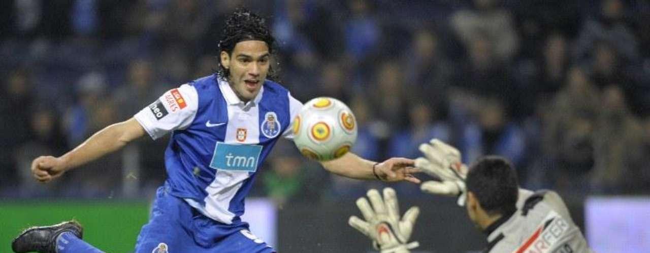 Su gol número once llegó en la fecha 16 en condición de local para empatar un juego difícil ante Pacos Ferreira.