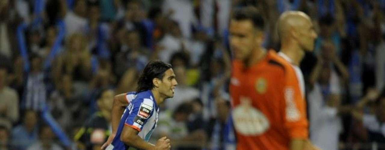 En la segunda fecha de la temporada 2010-2011, el colombiano arrancó marcando nuevamente doblete, esta vez ante Beira Mar en condición de local para la victoria 3-0 del Porto.