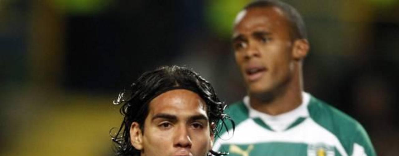 Su gol 32 lo consiguió en el empate a un gol ante Sporting en noviembre de 2010, por la fecha 12 de la Liga Sagres.