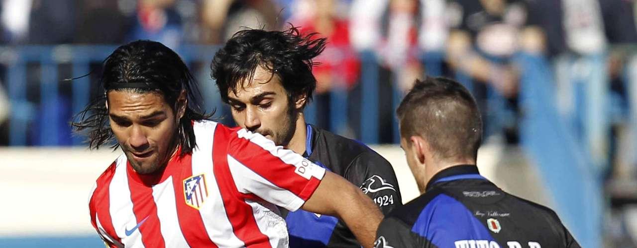 Ante Rayo Vallecano Falcao marcó el segundo gol en la victoria 3-1 en condición de local. El colombiano se movió por todo el frente de ataque generando espacios para sus compañeros.