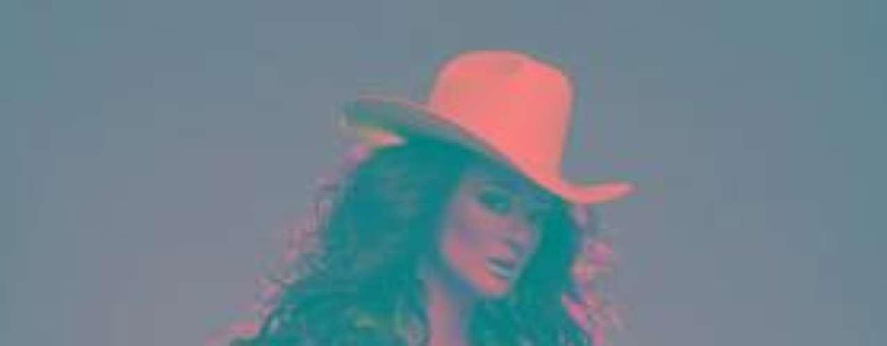 Gina Varela, se encuentra brincado en un pie, ya que con apenas 4 semanas de haber lanzado su primer sencillo \