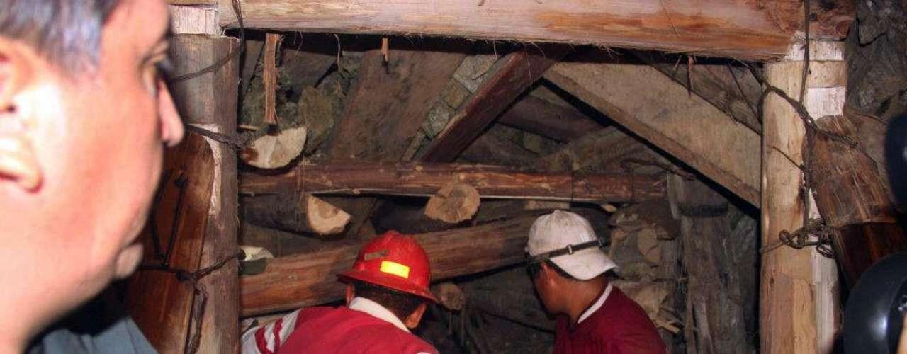 Según señaló el ministro, los integrantes de la comisión gubernamental pudieron conversar con los mineros atrapados y \