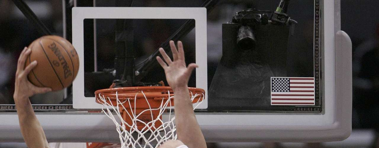 El jugador de los Clippers muestra su poder en cada jugada