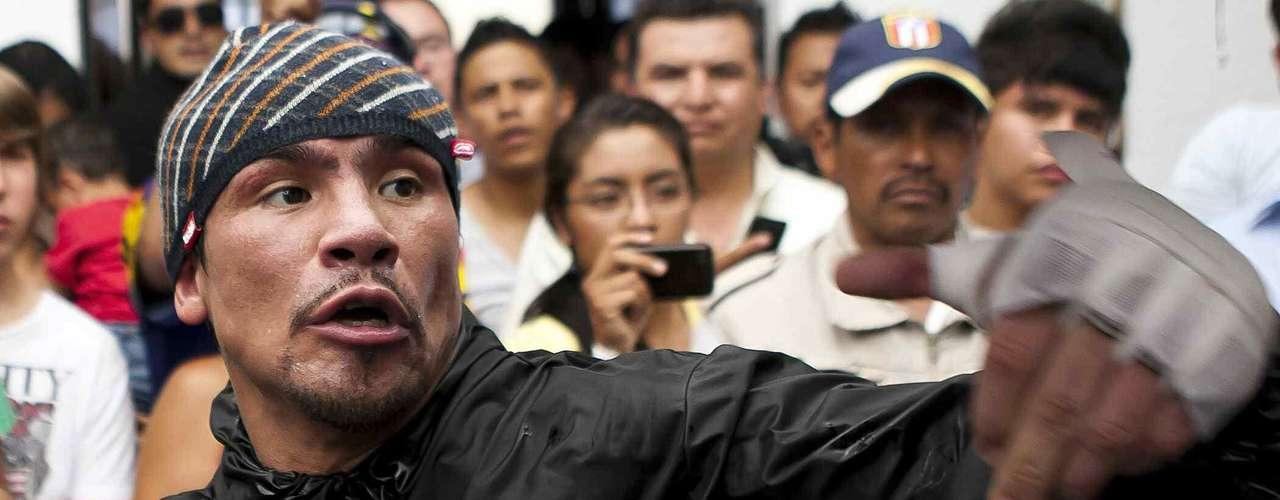 """El """"Dinamita"""" agradeció el apoyo de la afición mexicana y prometió una gran pelea el próximo sábado, asegurando que el título se quedará en México."""