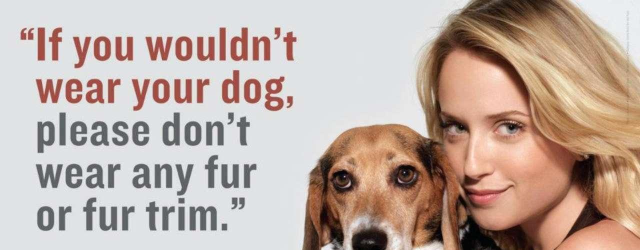 La guapa Megan Park y su perro Tyson a quien rescató: 'Si no quieres usar a tu perro como vestimenta, entonces no portes pieles'