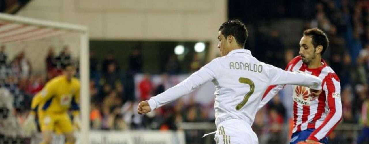 Su último misil se lo disparó al Atletico de Madrid por la Liga, Cristiano Ronaldo marcó tripleta y ese día dos de sus goles fueron de soberbios remates