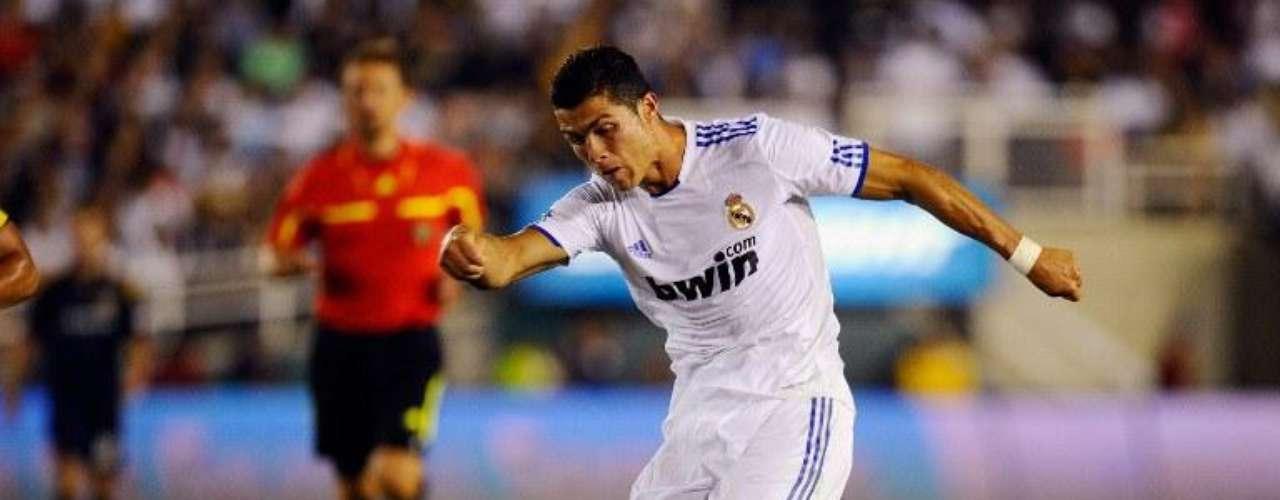 Ronaldo lidera la tabla de goleadores de la Liga española con 40 anotaciones, una menos que el argentino Lionel Messi