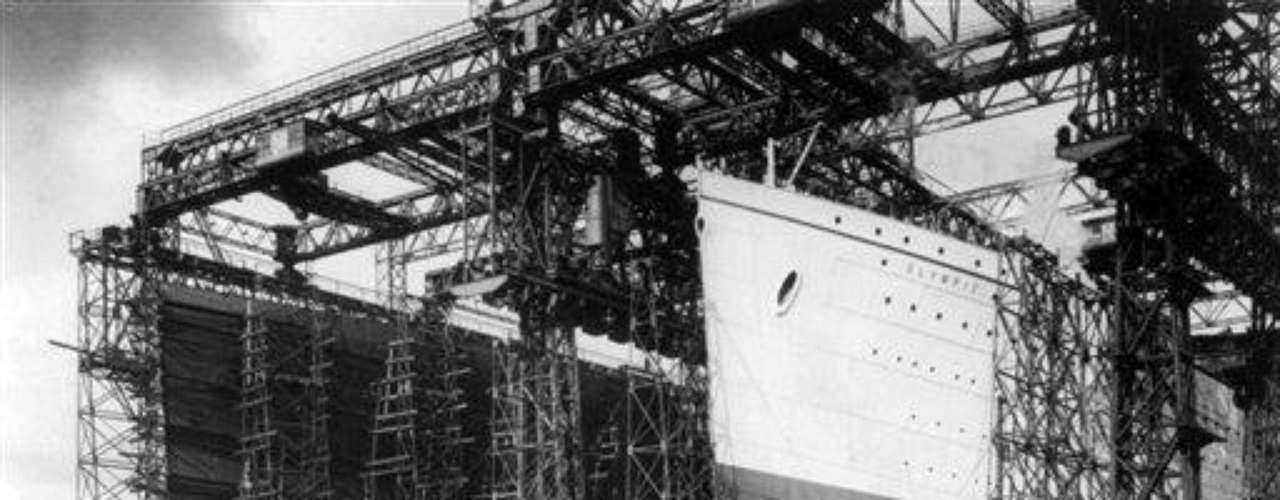 La financiación para el proyecto fue del empresario estadounidense J. P. Morgan, a través de su empresa Mercantile Marine Co. y la construcción se puso en marcha en marzo de 1909. Fue botado al mar el 31 de mayo de 1911 y quedó listo un año después.