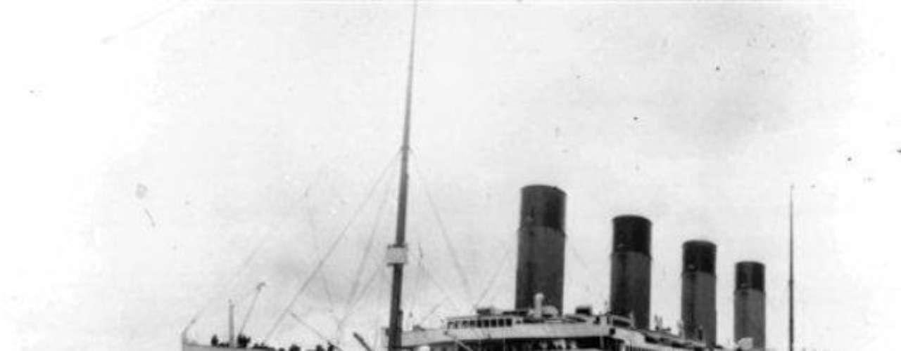 A cien años de una de las tragedias más impresionantes de la historia, el Titanic aún tiene misterios por develar y por sobre todo, aún cuenta con la atención del público. Nació como una nave maravillosa y aún hoy, luego de haber pasado 100 años debajo del mar, sigue cautivando la atención.