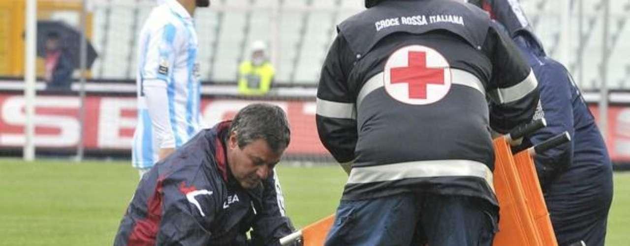 Desafortunadamente nada pudieron hacer los médicos que lo mantuvieron con vida mientras era trasladado a un hospital pero al llegar a éste perdió la vida y provocó la suspensión del Calcio italiano