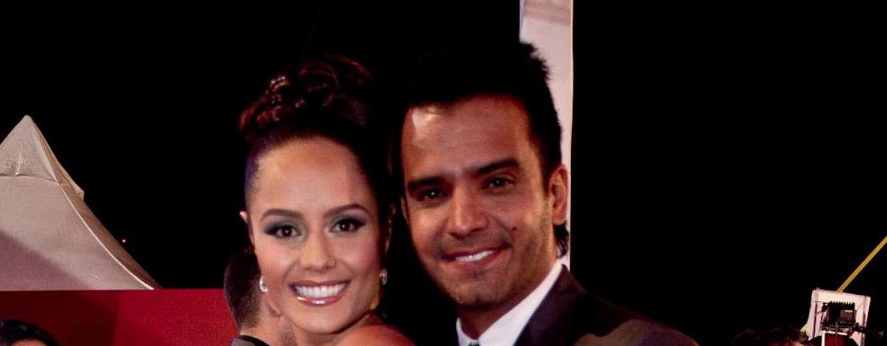 Ana Lucía Domínguez y Jorge Cárdenas: Algunos famosos desfilaron por la alfombra roja de los TVyNovelas en compañía de sus novios o esposos. Estas fueron las parejas que más causaron sensación durante la edición número 21 de los premios.