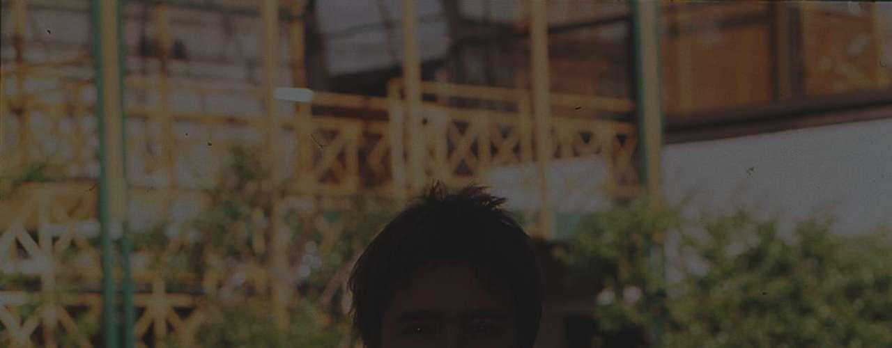 Jorge Antonio Zabaleta Briceno cumple hoy 42 años. Nacido el 18 de abril de 1970, el actual integrante del área dramática de TVN disfruta de una plenitud laboral y de la familia que formó con Francisca Allende, con quien tiene tres hijos: Raimundo (16), Milagros (5) y Antonio (3). Zabaleta partió en TV el año 1997 como parte de la teleserie \