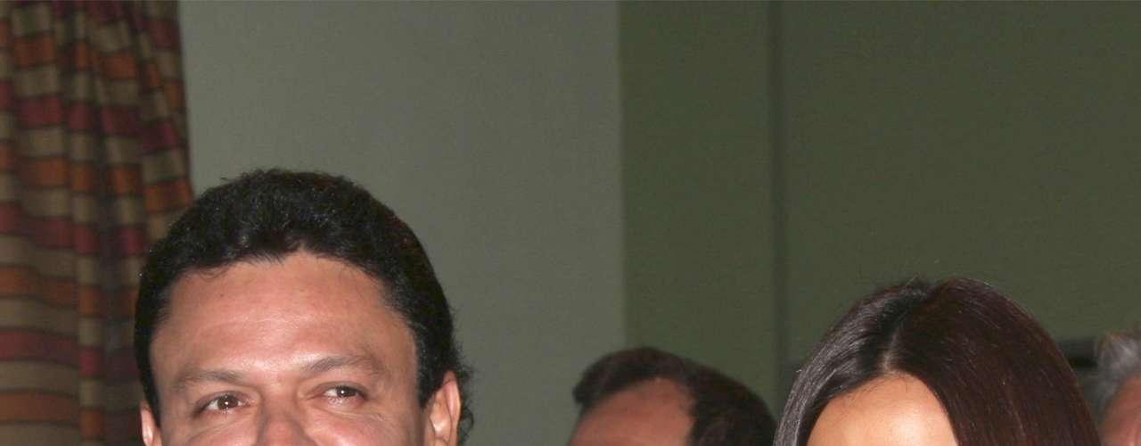 A la par del estreno de su nuevo disco, Pedro Fernández, junto a  Maite Perroni, inició las grabaciones de la telenovela \