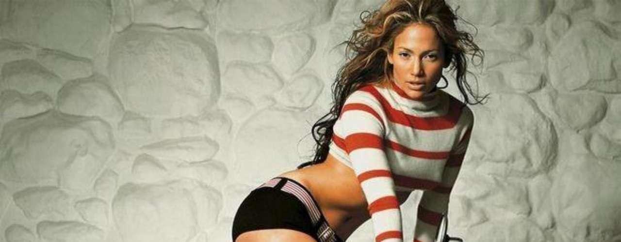 Jennifer es una boma latina de seducción.