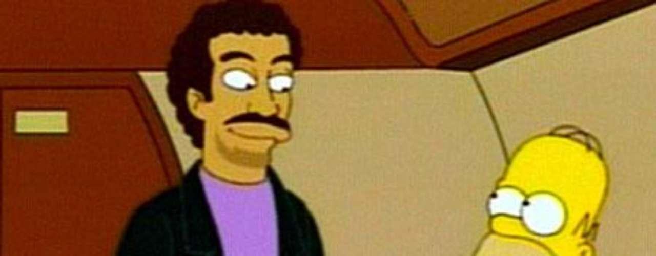 Lionel Richie encantó con su suave voz.