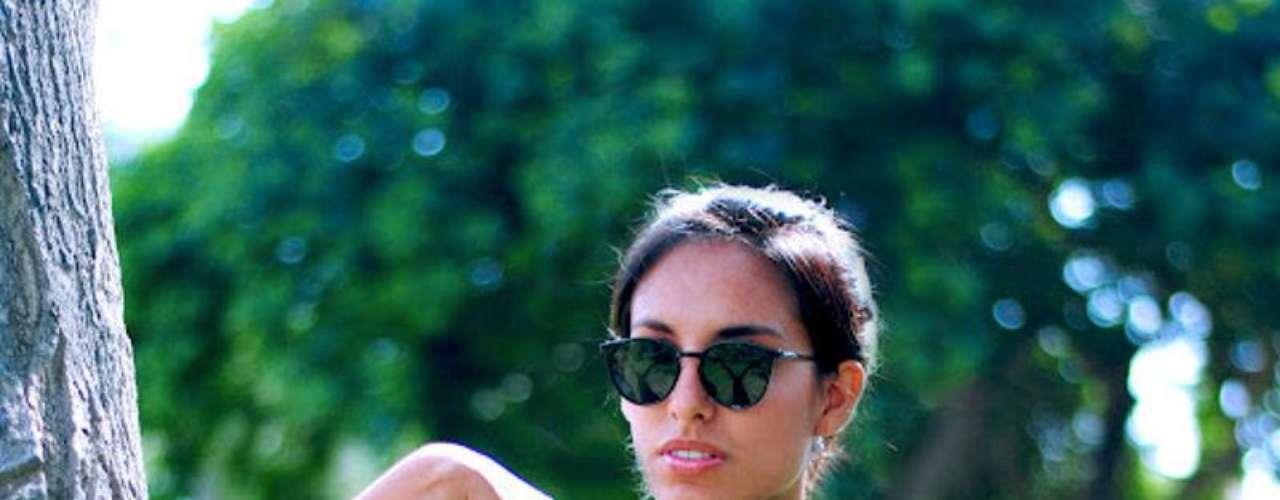 """Adriana Seminario no solo tiene el blog The Androgyny, sino es también modelo y estará presente en el Perú Moda como tal. """"Los blogs son reflejo vivo del país. Y creo que la moda es el siguiente boom, así como lo fue la gastronomía. Lo bonito de los blogs peruanos es que tienen mucho de la mujer limeña, todavía no muy segura con su look. Los blogs en nuestro país exponen las dudas de estas mujeres, pero también ofrecen respuestas. Es que las mujeres son muy conservadoras, todavía no se arriesgan""""."""
