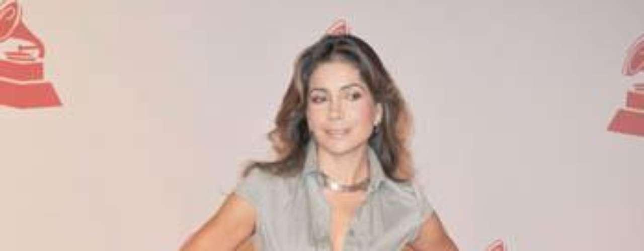 En 1994 Manterola decide emprender su camino como solista.