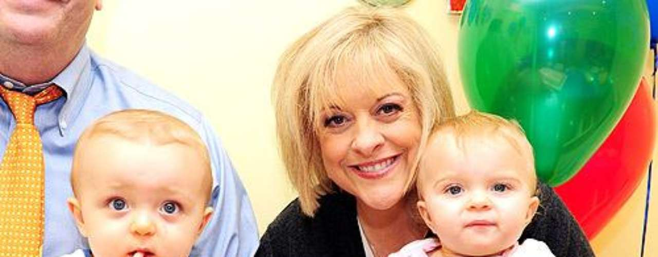 Nancy Grace tuvo a sus mellizos Lucy Elizabeth y  John David a través de fertilización in vitro. Los bebes nacieron dos meses antes de la fecha de parto y tras el nacimiento, Grace debió regresar al hospital por problemas de coagulación.