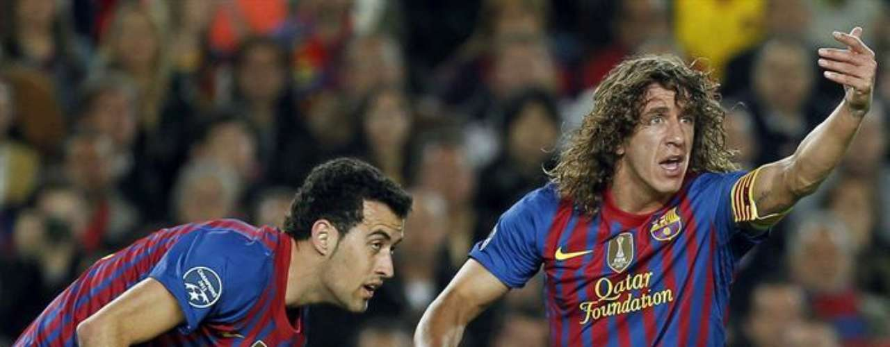 Piqué salió del campo por un fuerte golpe en la cabeza con su compañero Valdés