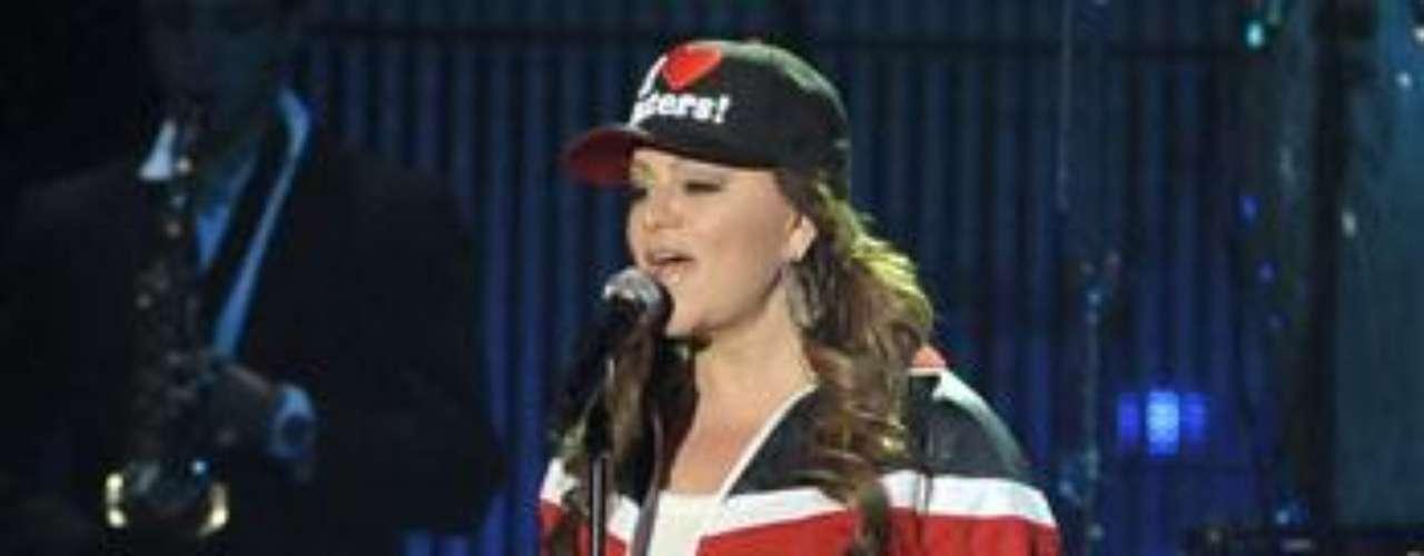 Jenni Rivera está entregada ensayando previo a la ceremonia de los Premios Billboard de la Música Latina en el BankUnited Center de la Universidad de Miami.