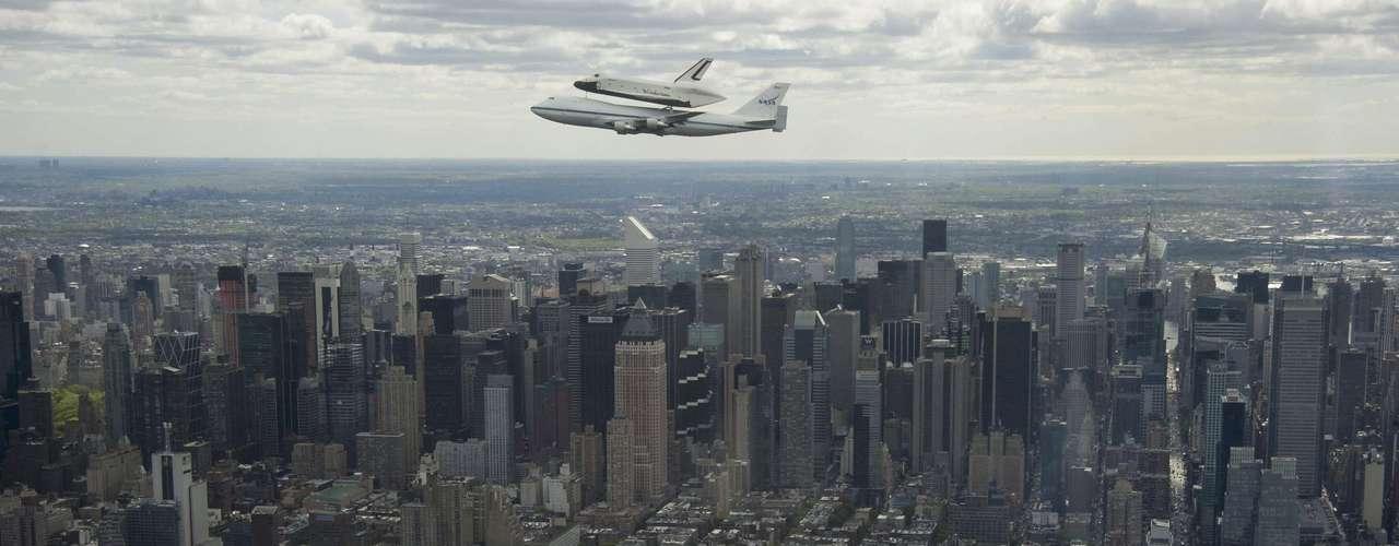 El Enterprise llegó acoplado a un Boeing 747 de la NASA. \